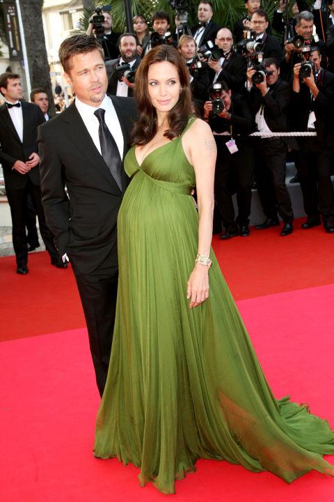54bc08af7e888_-_hbz-100-best-dresses-2008-angelina-jolie