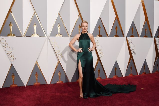 HOLLYWOOD, CA - FEBRUARY 28: Actress Rachel McAdams attends the 88th Annual Academy Awards at Hollywood & Highland Center on February 28, 2016 in Hollywood, California. (Photo by Kevork Djansezian/Getty Images)