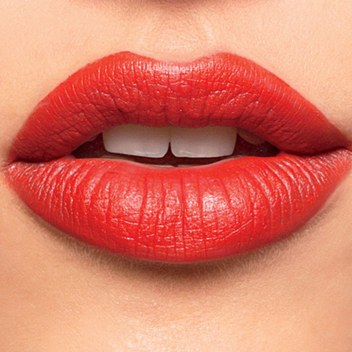 red lips, dramatic look, night look